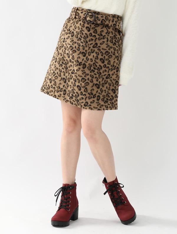 ヒョウ柄ベルト付スカート
