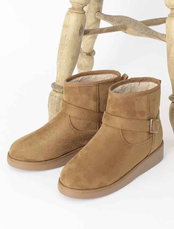 ベルト付ブーツ