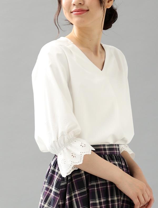 袖刺繍ブラウス