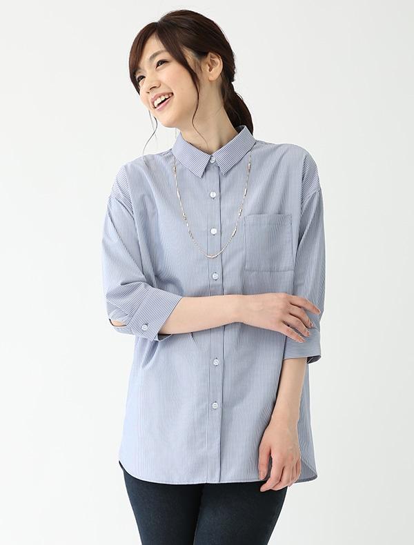 アクセ付シャツ