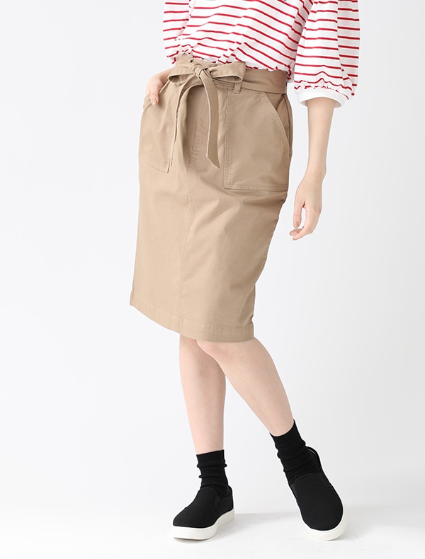 共ベルトタイトスカート