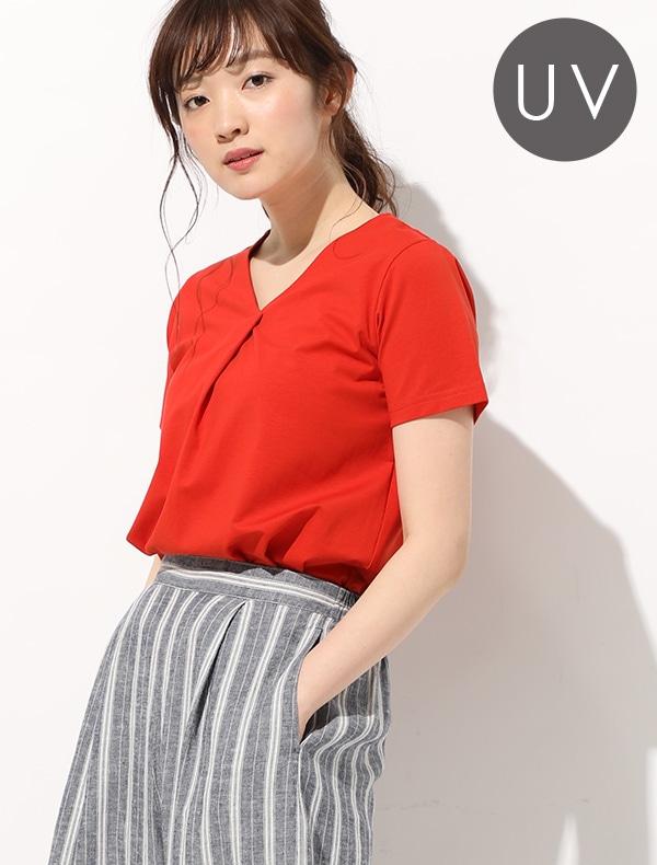 VタックTシャツ