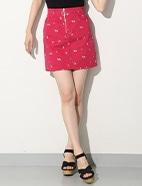 刺繍入り台形スカート